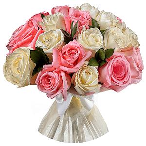 Букет из 41 белых и розовых роз